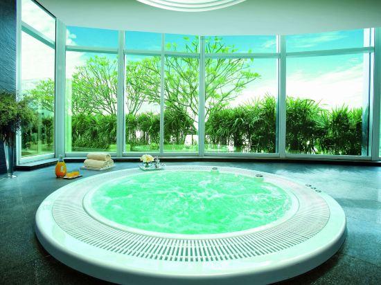 曼谷素坤逸航站 21 中心酒店(Grande Centre Point Hotel Terminal21)室內游泳池