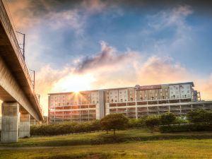奧利弗坦博國際機場城市旅館酒店