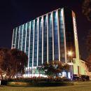 海豚會議中心酒店(Delfines Hotel & Convention Center)
