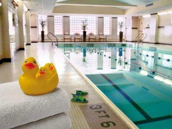 紐約市中心萬豪酒店(New York Marriott Downtown)室內游泳池