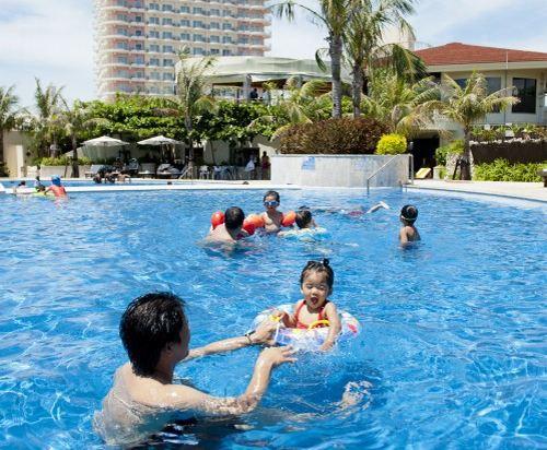 沖繩格蘭美爾度假酒店(Okinawa Grand Mer Resort)室外游泳池
