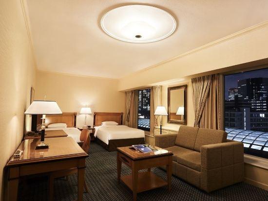大阪麗嘉皇家酒店(Rihga Royal Hotel)高級樓層豪華雙床房