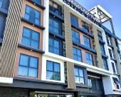 首都山丘套房酒店