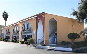 格拉納達旅館(Granada Inn)