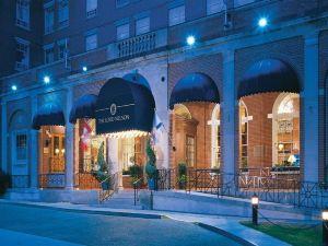 尼爾森勛爵酒店及套房