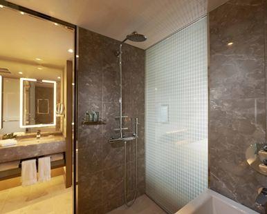 大阪希爾頓酒店(Hilton Osaka Hotel)塔樓套房