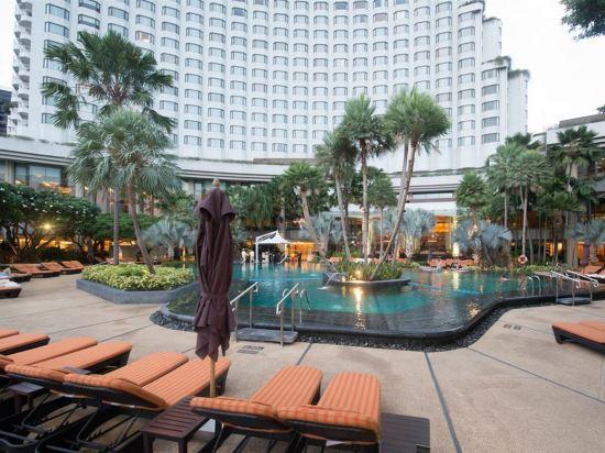 曼谷香格里拉酒店(Shangri-La Hotel Bangkok)室外游泳池