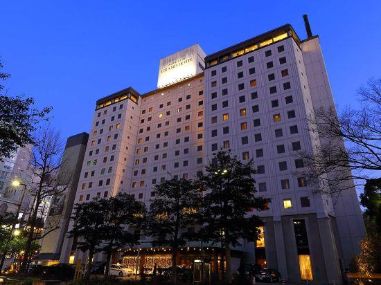 西鐵格蘭酒店(Nishitetsu Grand Hotel)角落三人房