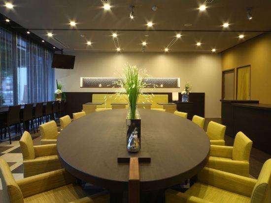 福岡天然温泉博多運河城前多米高級酒店(Hotel Dormy Inn Premium Hakata Canalcitymae Fukuoka)會議室