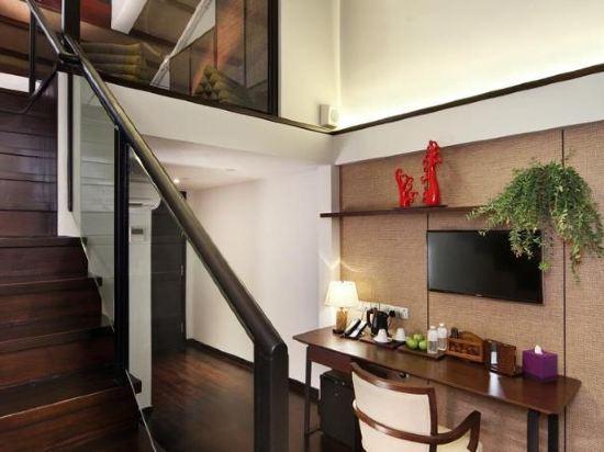 新加坡客來福酒店惹蘭蘇丹33號(Hotel Clover 33 Jalan Sultan Singapore)閣樓特大床套房