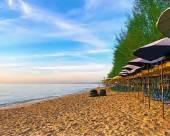 七巖沙灘酒店