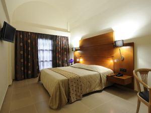 阿勒珊納溫泉套房酒店(Aressana Spa Hotel & Suites)