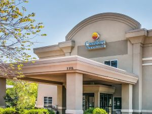安阿伯舒適套房酒店(Comfort Inn and Suites Ann Arbor)