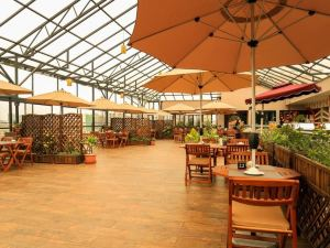 蓮花賓館及套房(Lotos Inn & Suites)