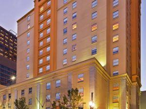 新奧爾良市中心拉昆塔套房酒店(La Quinta Inn & Suites New Orleans Downtown)