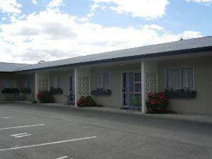 亞丁汽車旅館(Aden Motel)