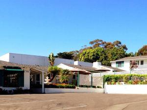 海邊小村酒店(Coast Village Inn)