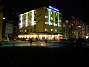 中央酒店(Hotel Central)