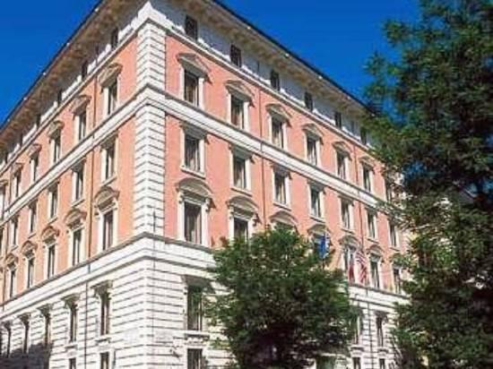 羅馬玫瑰花園宮酒店