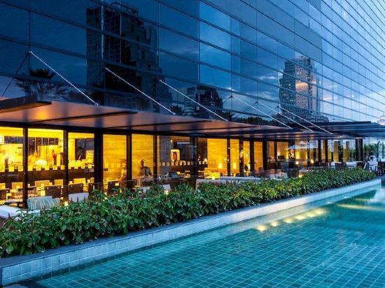曼谷素坤逸假日酒店(Holiday Inn Bangkok Sukhumvit)外觀