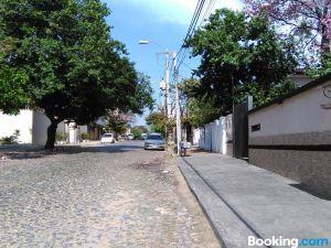 Acosta Ñu Apart Hotel