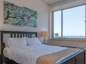 Skyline Luxury Suites at Jersey City