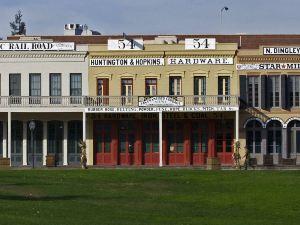 薩克拉門托加州博覽會鎮萬豪唐普雷斯酒店(TownePlace Suites Sacramento Cal Expo)