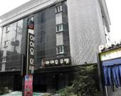 IU汽車旅館