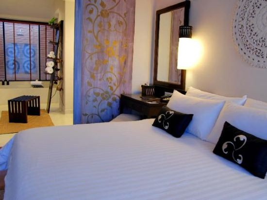 華欣莫維皮克阿薩拉水療及度假酒店(Mövenpick Asara Resort & Spa Hua Hin)豪華套房