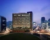 首爾廣場傲途格精選酒店明洞(萬豪)