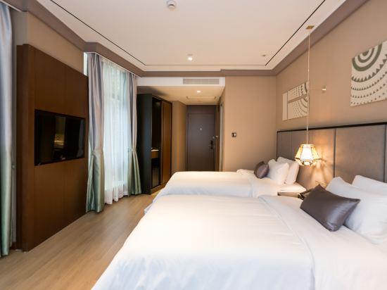 和頤至尊酒店(上海南京西路地鐵站店)(Yitel Premium (Shanghai Jing'an Nanjing West Road))至尊高級雙床房
