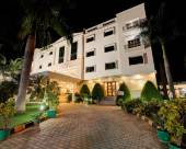 西里拉酒店