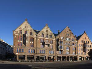 第一馬林酒店