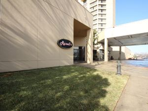 埃姆布里奇酒店集團俄克拉何馬城塔樓酒店(Tower Hotel Oklahoma City)