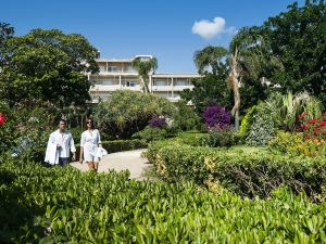 蒙德羅皇宮酒店(Mondello Palace Hotel)