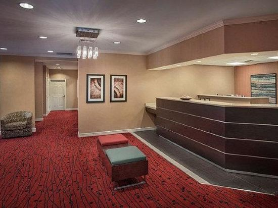 Rate fluctuations of La Quinta Inn & Suites Boston Andover