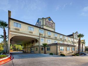 機場北舒適套房酒店(Comfort Suites Airport North)
