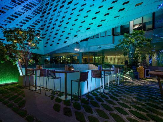 曼谷利特酒店(LiT BANGKOK Hotel)酒吧