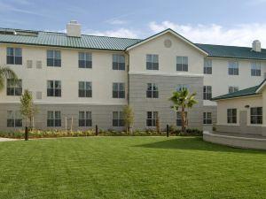 薩克拉門托機場納托馬斯希爾頓欣庭套房酒店(Homewood Suites by Hilton Sacramento Airport-Natomas)