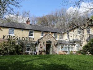 國王的小屋酒店(The Kings Lodge Inn)