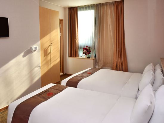 天空花園酒店明洞1號店(Hotel Skypark Myeongdong 1)豪華雙床房
