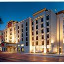 漢弗萊套房旅館(Humphry Inn and Suites)