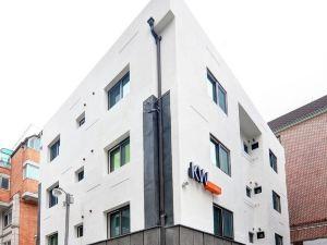 首爾KW新沙旅館(KW Hostel Sinsa Seoul)