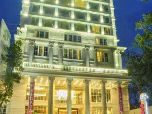瑞加塔酒店(Regata Hotel)