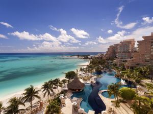 大美洲慶典珊瑚海灘酒店