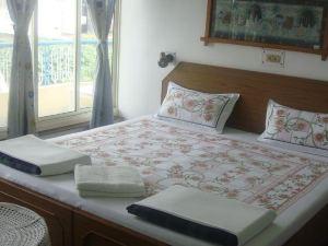 恒河寺廟酒店(Hotel Temple on Ganges)
