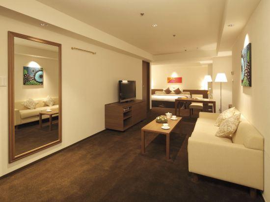 札幌格蘭大酒店(Sapporo Grand Hotel)東樓標準紀念日大床房