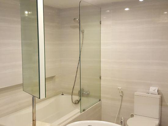 普里瑪旺加瑪酒店(Prima Wongamat Hotel)直通泳池房