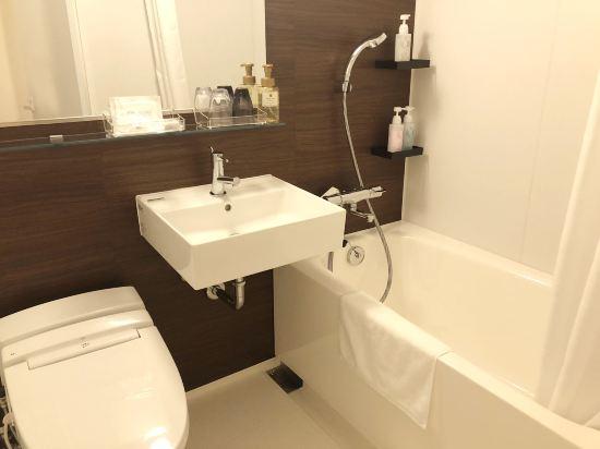 大阪本町微笑尊貴酒店(Smile Hotel Premium Osaka Hommachi)轉角雙床房