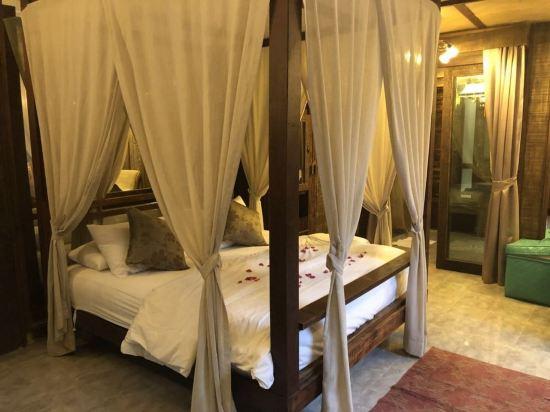 芭雅娜奢華泳池別墅度假村(Payanan Luxury Pool Villa Resort Pattaya)四卧室芭雅娜奢華泳池別墅